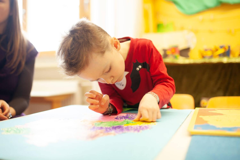 Kind Grundschule Montessori